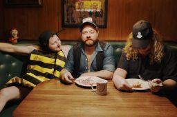 "Rolling Stone Premieres ""A Little Honey"" Video"